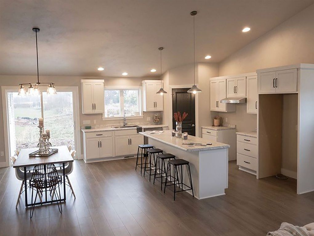 3381 Mockingbird Kitchen