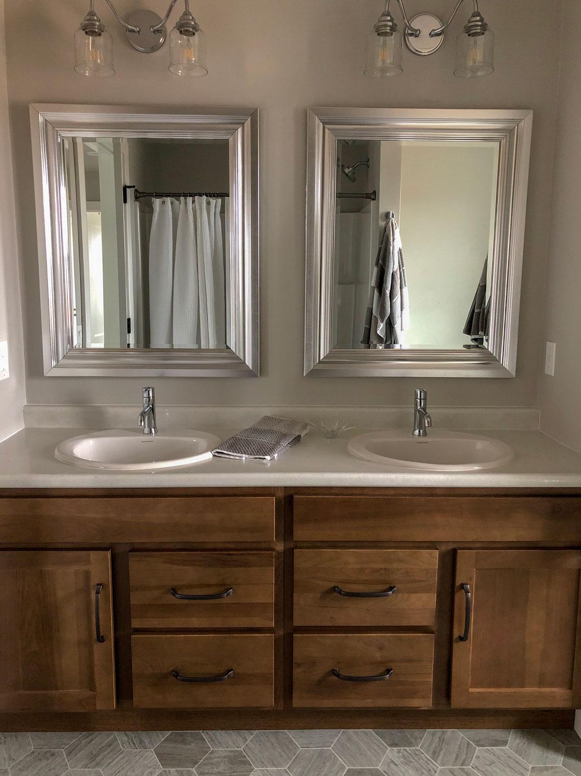 Home For Sale 1600 Cloe Jude Main Bathroom